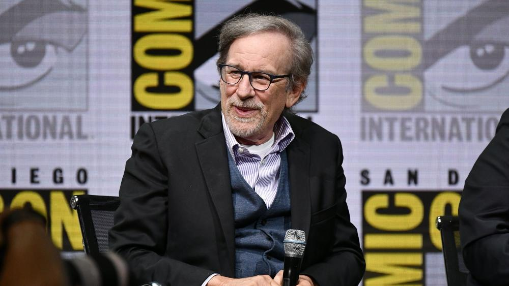 Steven Spielberg's DreamWorks to Leave Disney Possibly for Universal