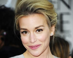 Piper Perabo Joins Go On as Ryan's Love Interest