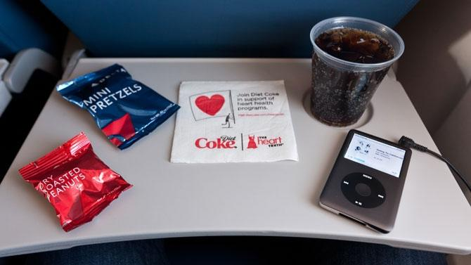 Unhealthiest and Healthiest Free Airline Snacks