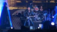 Aprs Bon Jovi, c&#39;tait au tour du Franais Johnny Hallyday de monter sur la scne des plaines d&#39;Abraham mardi soir dans le cadre du 45e Festival d&#39;t de Qubec
