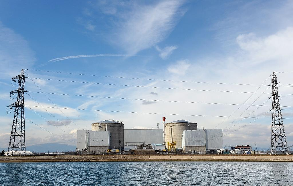French nuke plant shut down due to pipe defect