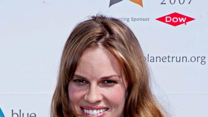 Hilary Swank kicks off the 2007 Blue Planet Run.