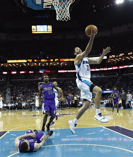 Smith leads Hornets past Kings 105-96