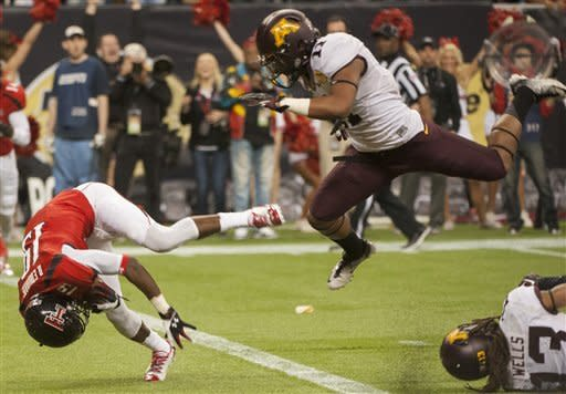 Texas Tech rallies to beat Minnesota 34-31