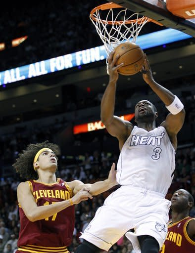 Heat escape Cavs with late rally, 110-108