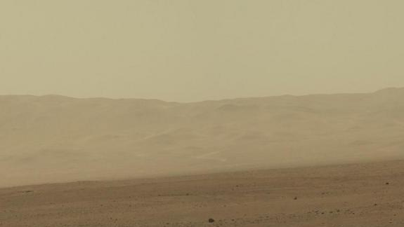 Mars Rover Curiosity Snaps Hi-Res Color Views of Red Planet