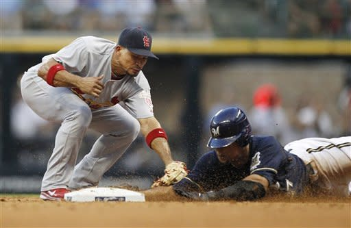 Cardinals rally in 9th, beat Brewers 3-2