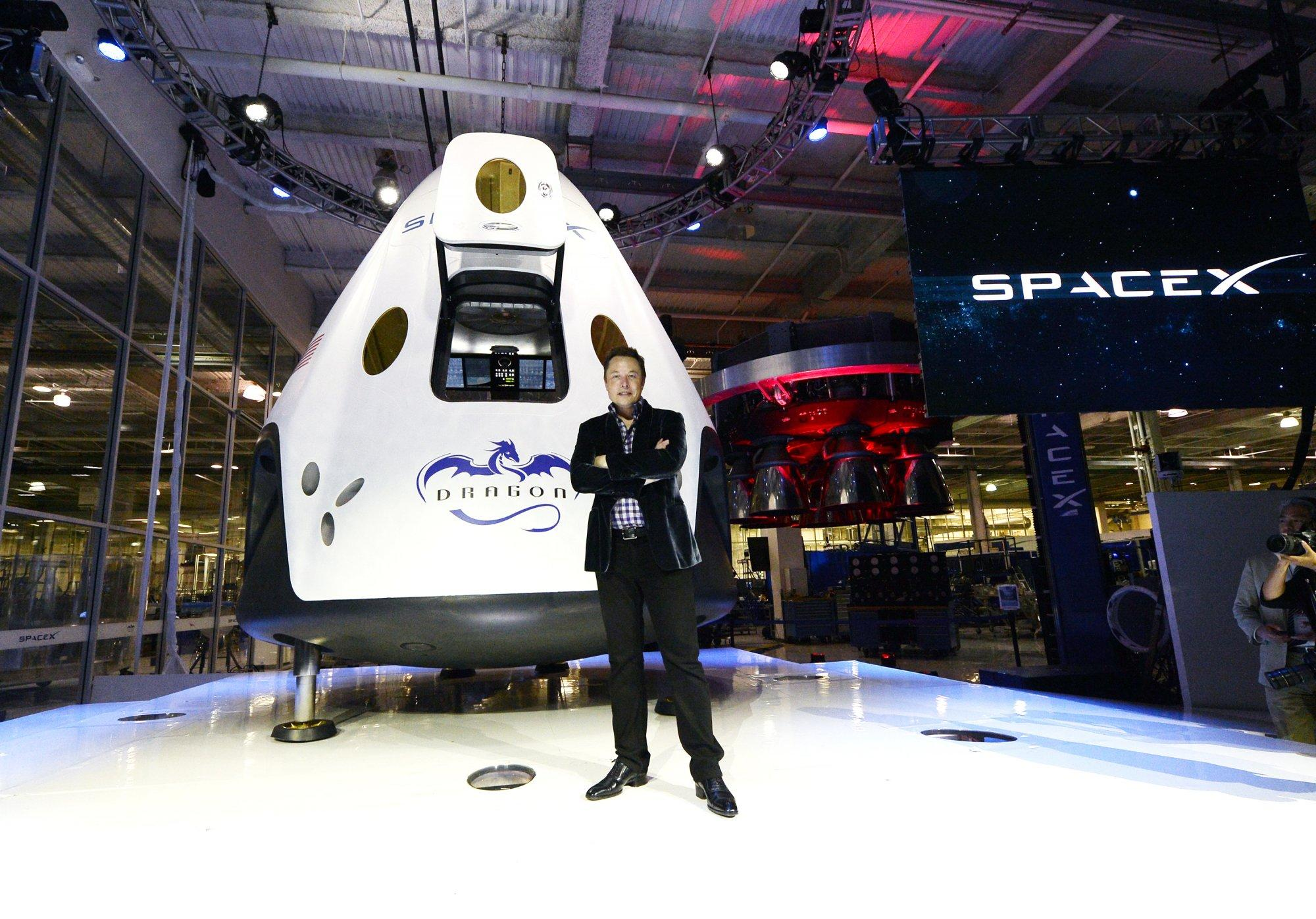 Jeff Bezos faces Elon Musk in renewed Texas space race