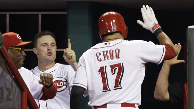 Reds hit 3 HRs off Lynn, beat Cardinals 6-2