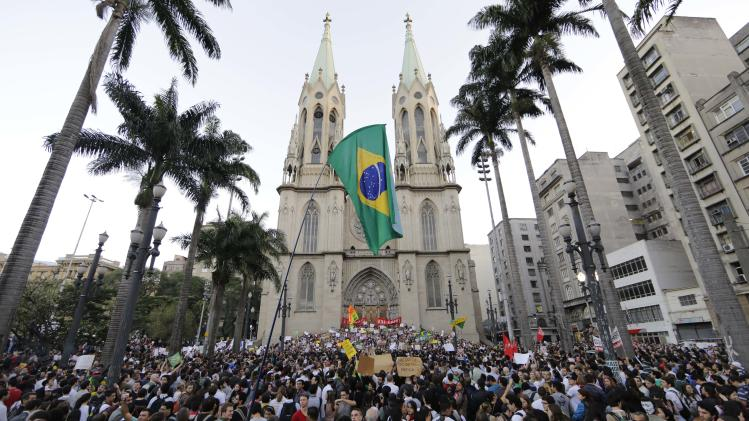 Brazil protesters clash with police in Sao Paulo