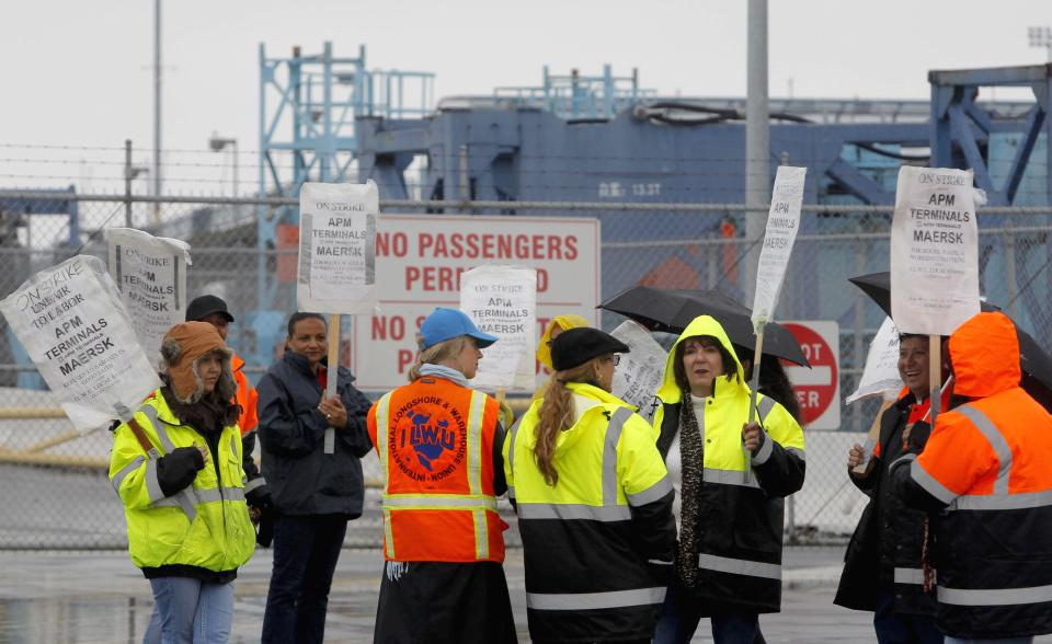 Contract talks adjourn amid 5th day of port strike