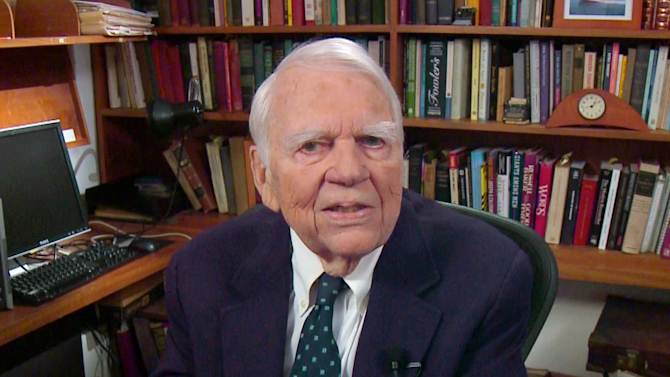"""CORRECTS DAY AND DATE OF DEATH - FILE - In this Aug. 23, 2011 file image taken from video and provided by CBS, Andy Rooney tapes his last regular appearance on """"60 Minutes"""" in New York. CBS says former """"60 Minutes"""" commentator Andy Rooney died Friday Nov. 4, 2011 at age 92. (AP Photo/CBS) MANDATORY CREDIT; NO SALES; NO ARCHIVE; NORTH AMERICAN USE ONLY"""