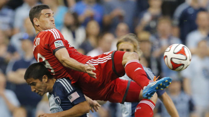 Sporting Kansas City ties Toronto FC 2-2