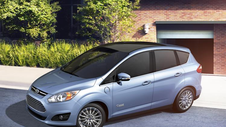 Newest Ford C-Max comes with a plug
