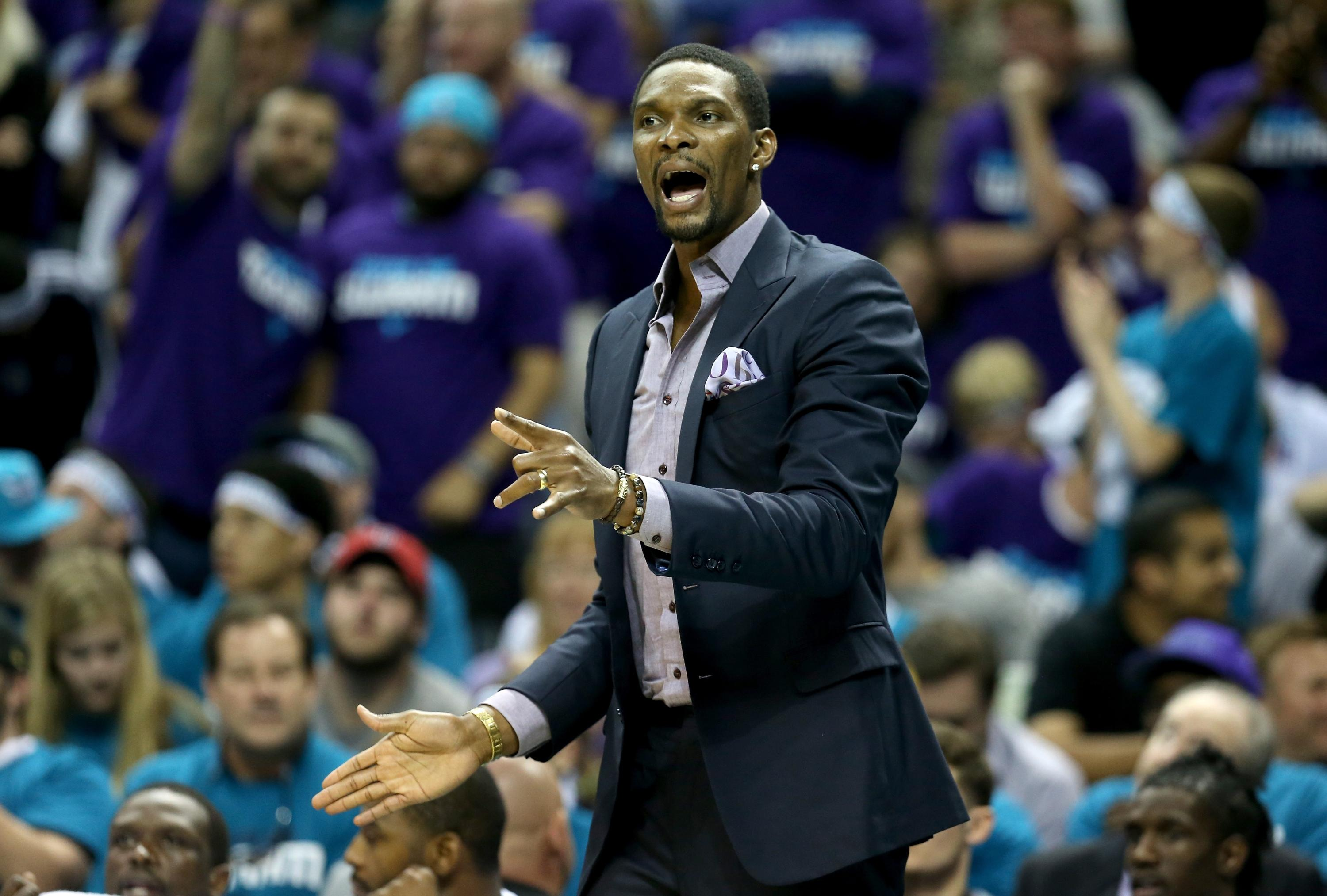 Report: Chris Bosh, Heat 'at a crossroads' over his health, return