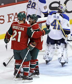 Backstrom stops 33 shots; Wild beats Blues 3-1