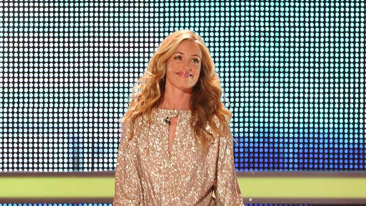 Cat Deeley Outfits