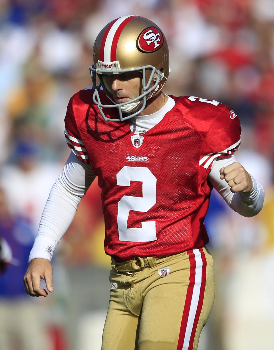 San Francisco 49ers' David Akers (2) reacts after making a field goal in the second quarter of an NFL football game against the New York Giants in San Francisco, Sunday, Nov. 13, 2011. (AP Photo/Marcio Jose Sanchez)