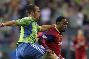 Seattle trades Hurtado and Ianni to Chicago for Anibaba