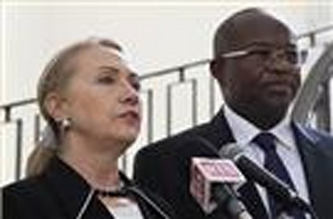 Clinton in South Sudan as part of Africa tour