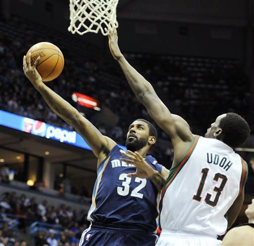 Mayo scores 24 to lead Grizzlies over Bucks 99-95