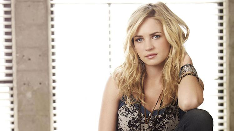 "Britt Robertson stars as Lux on ""Life Unexpected."""