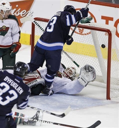 Little's late goal lifts Jets to 2-1 win over Wild
