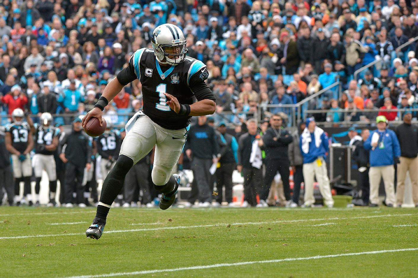 Newton powers Panthers; Steelers, Packers clinch