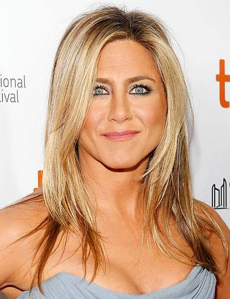Jennifer Aniston Would Trade Bodies With Gisele Bundchen, Watches The Voice