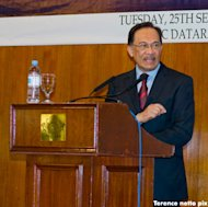 Is Anwar admitting he'll be 'a disastrous PM'?