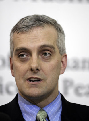 Obama names new White House chief of staff in shake-up