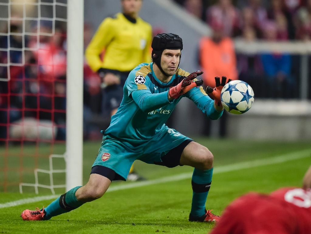"Cech expects ""play-off"" game against Olympiacos"