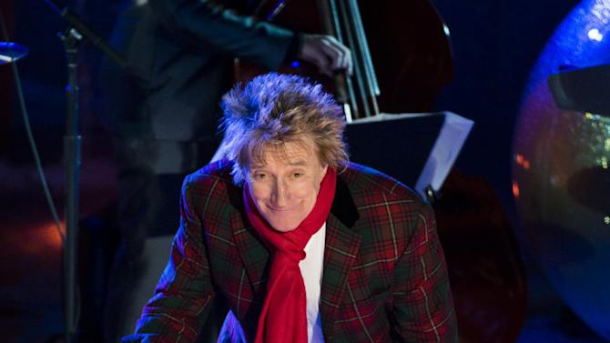 Rod Stewart performs at the 80th annual Rockefeller Center Christmas tree lighting ceremony on Wednesday, Nov. 28, 2012 in New York. (Photo by Charles Sykes/Invision/AP)