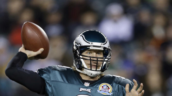 Philadelphia Eagles' Nick Foles passes in the first half of an NFL football game against the Cincinnati Bengals, Thursday, Dec. 13, 2012, in Philadelphia. (AP Photo/Matt Rourke)