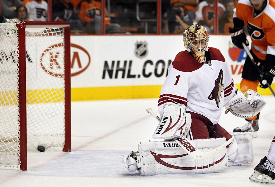 Greiss, Coyotes hold off Philadelphia, 2-1