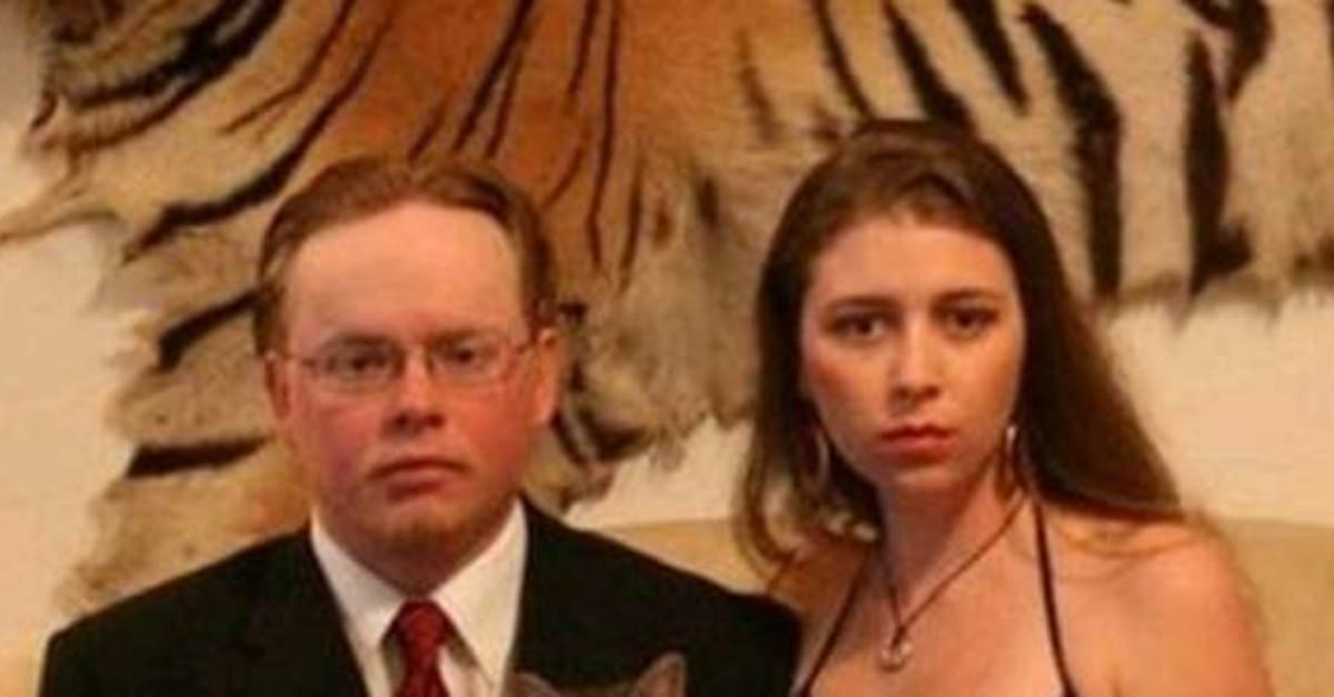 23 Photos That Prove Prom Is The Worst