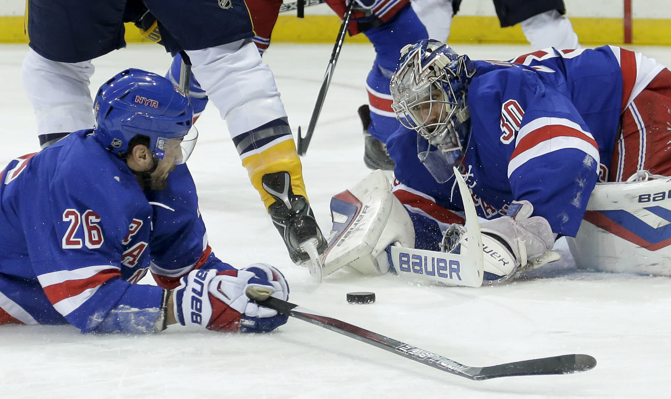Lundqvist makes 31 saves, Rangers blank Predators 3-0