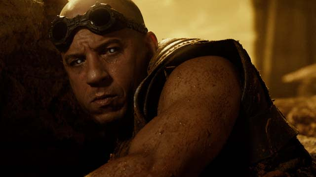 'Riddick' Clip: Riddick is Ambushed