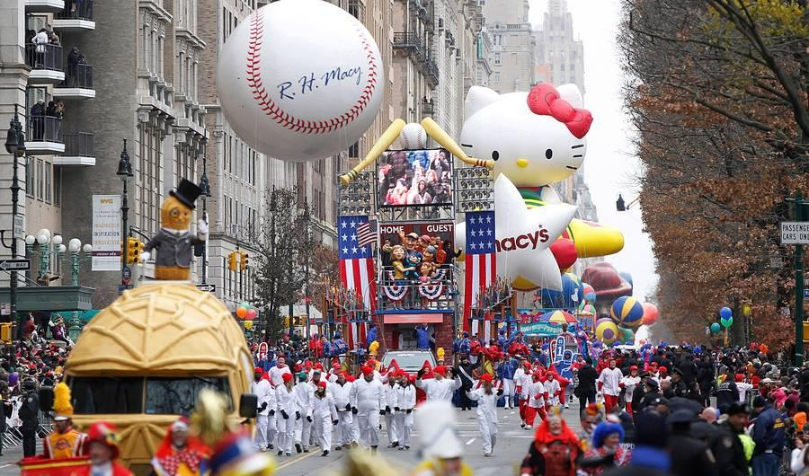 Macy's Thanksgiving Day Parade 2015 Live Stream: Here's How to Watch NYC Parade Online