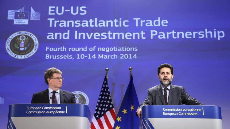 EU chief negotiator Garcia Bercero and U.S. chief negotiator Mullaney address a joint news conference after EU-US trade negotiations for TTIP in Brussels