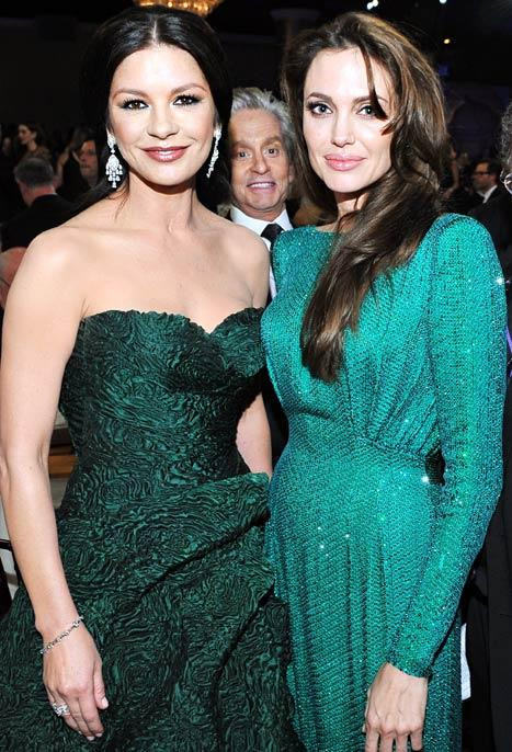 LOL! Celebrities Photobombing Other Celebs