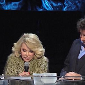Joan Rivers died of low blood oxygen, authorities say