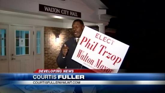 Walton mayor charged with abuse of public trust