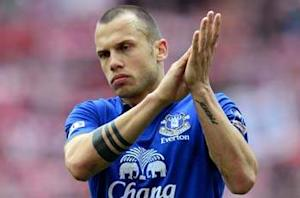 Martinez: Heitinga could leave Everton in January