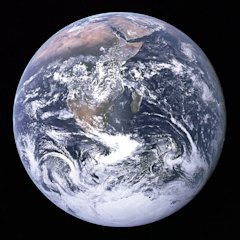 The_Earth_seen_from_Apollo_17.jpg