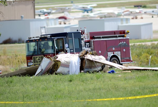 Official: 5 killed in plane crash north of Denver
