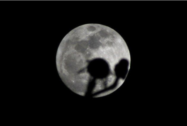 FOTO-FOTO SUPER MOON DI TAHUN 2012