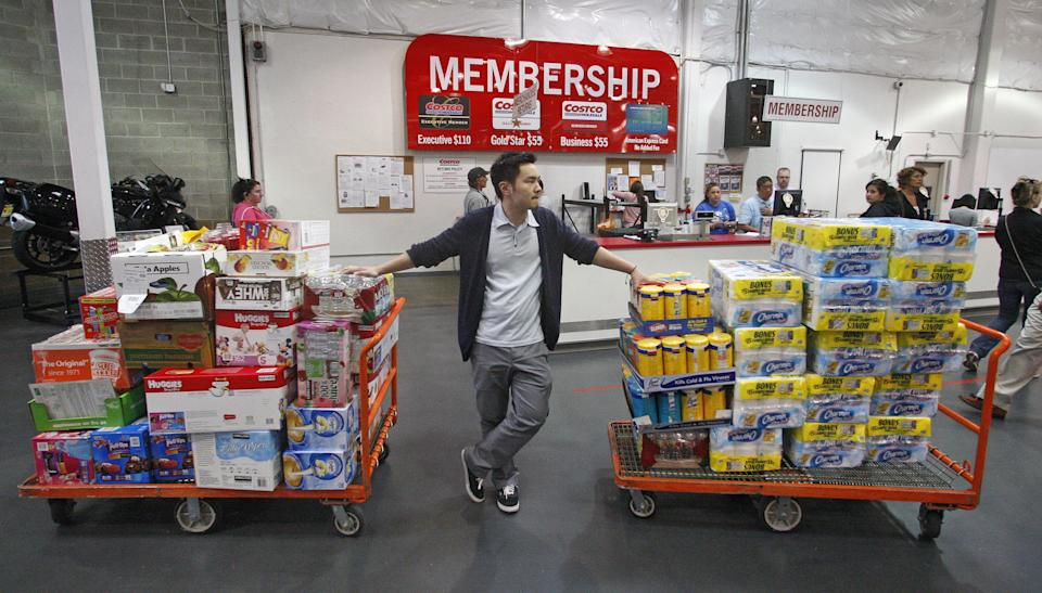 US wholesale prices fall by most in nearly 3 years