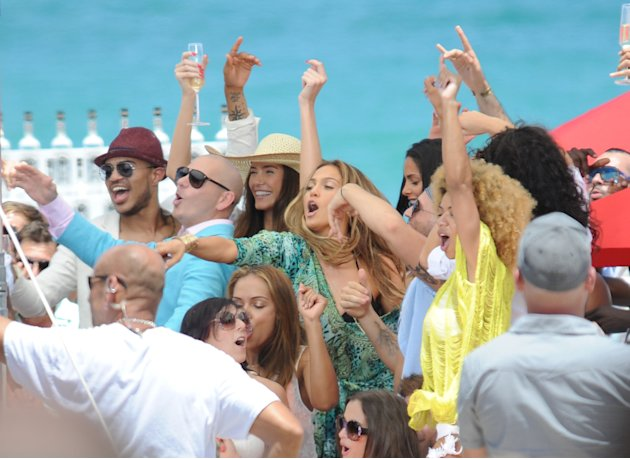 JLO y Pitbull graban nuevo video en Florida