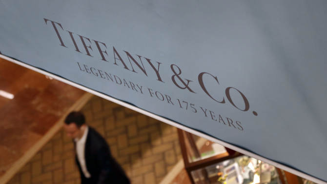 Tiffany 2Q profit rises, helped by China growth